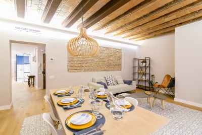Apartment with designer renovation in  historic centre of Barcelona